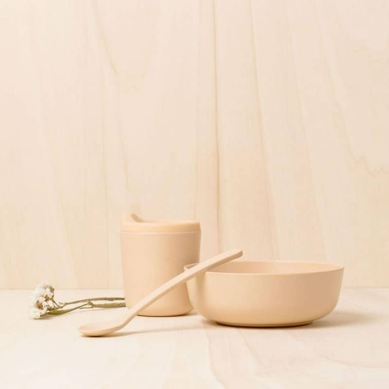 BPA-free baby feeding set in blush made from FSC-certified bamboo eco-composite