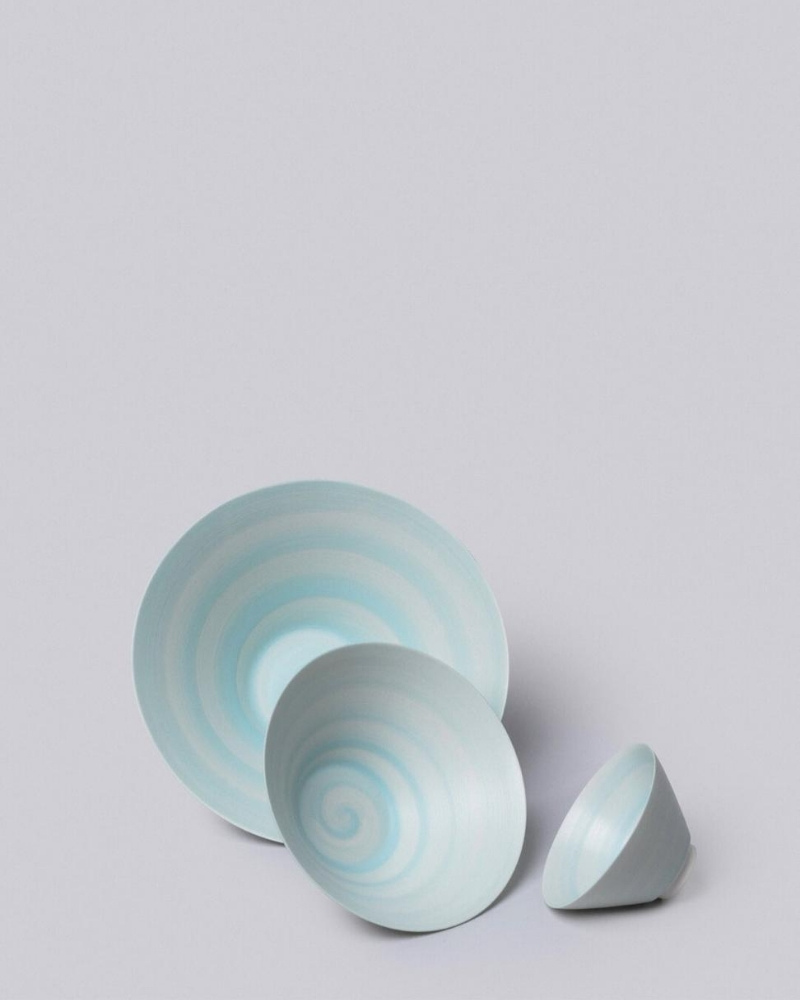 Conical Porcelain Bowl from Middl Kingdom