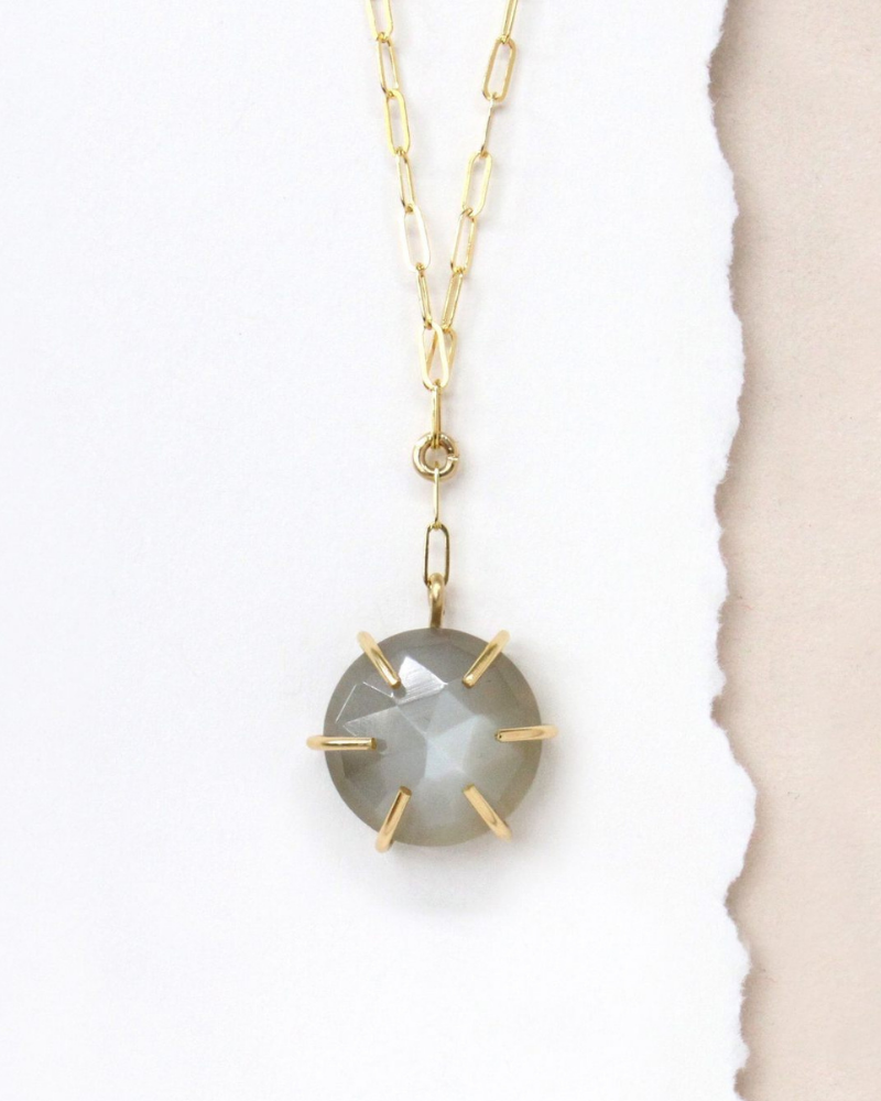Minimalist necklace made from recycled gold - eco-friendly gifts for her