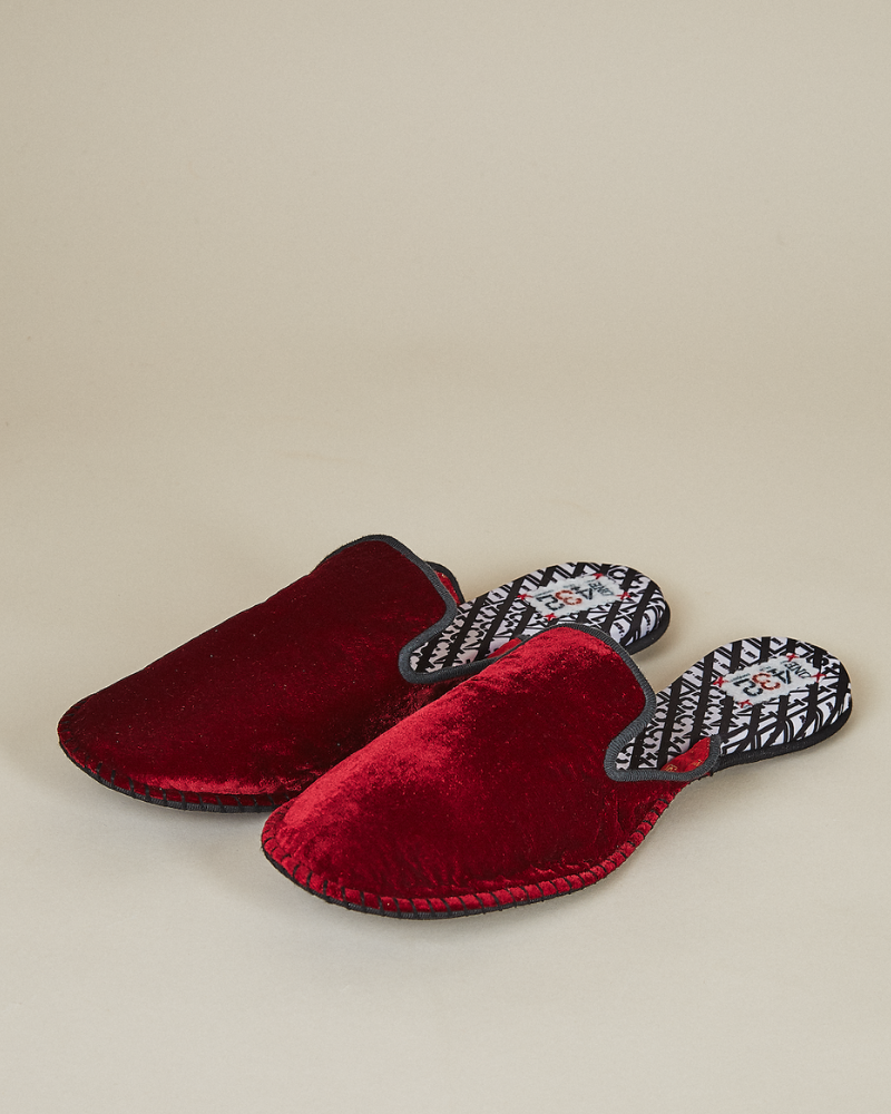 ONE432 Slippers New Photos